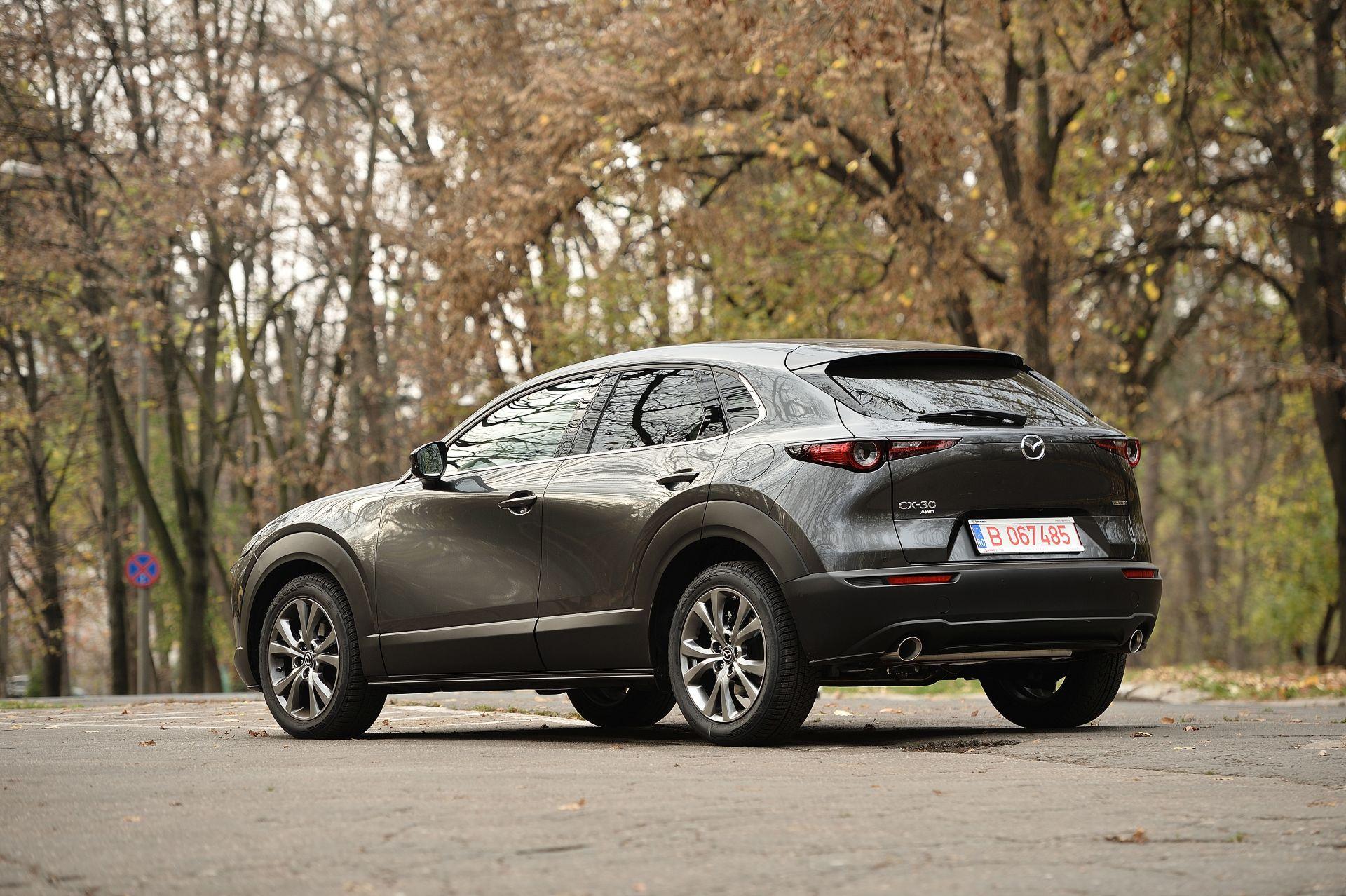 Mazda CX-30 exterior spate