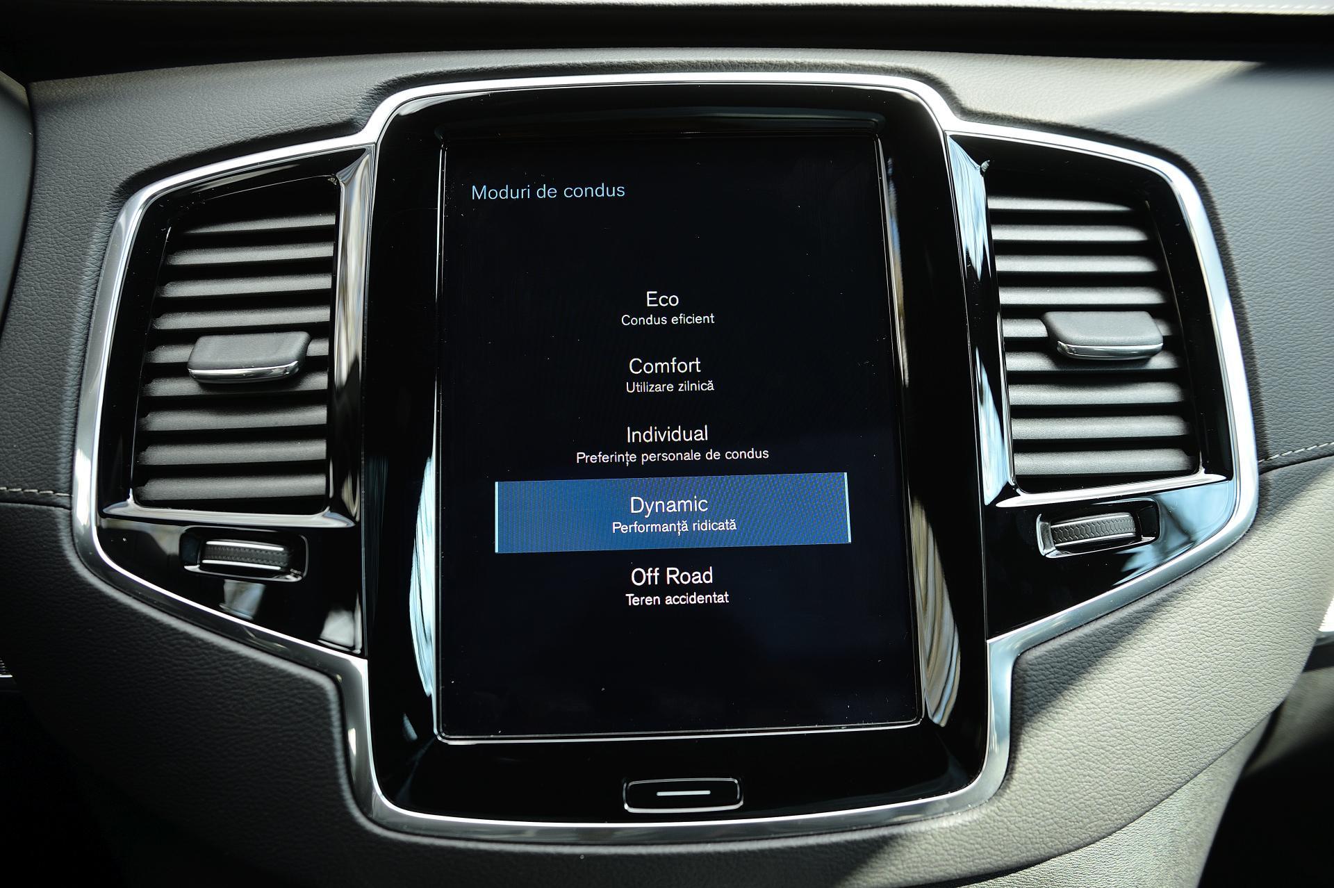 Volvo XC90 B5 sistem multimedia