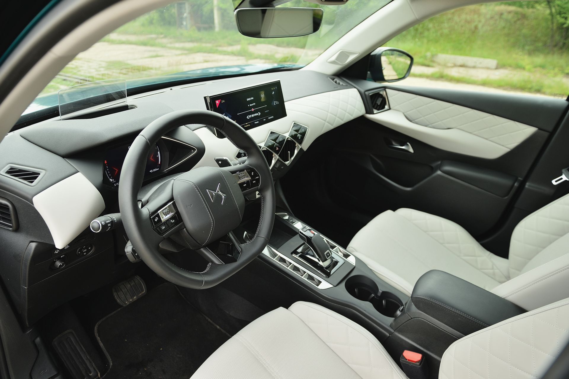 DS3 Crossback 1.2 Turbo interior
