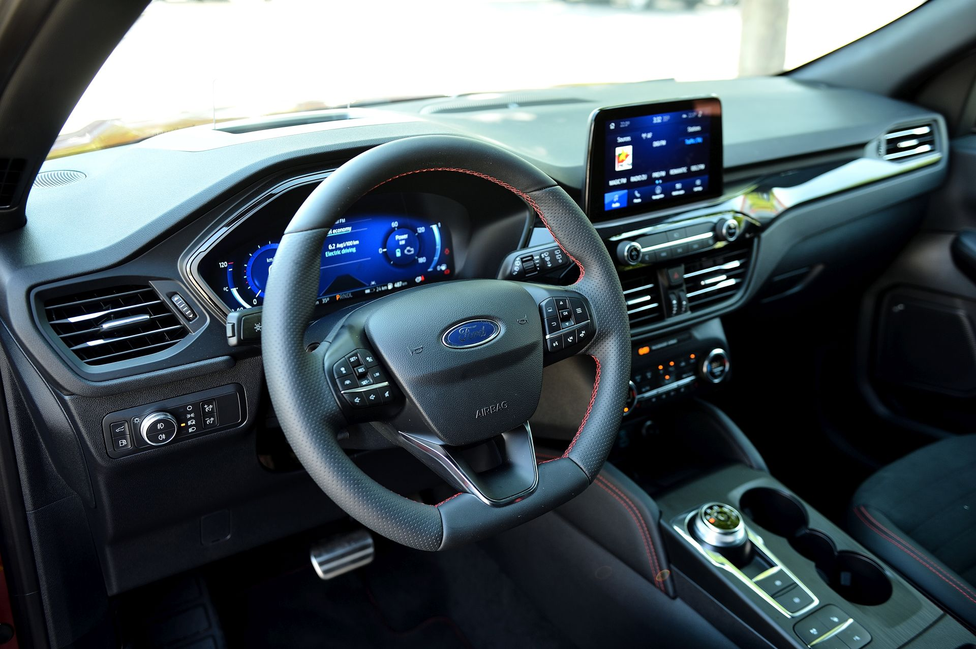 Ford Kuga Plug-In Hybrid interior