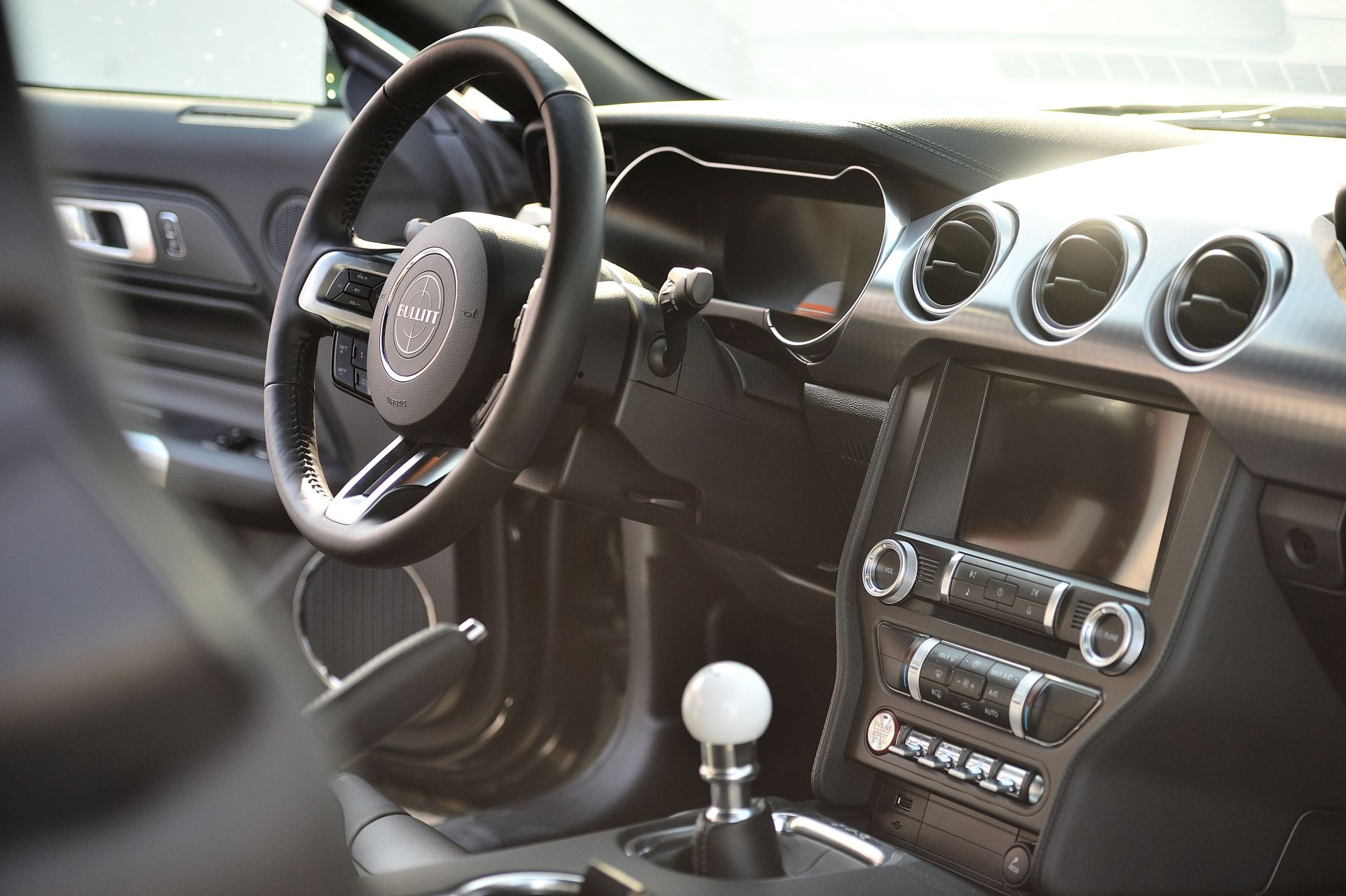 interior Ford Mustang Bullitt