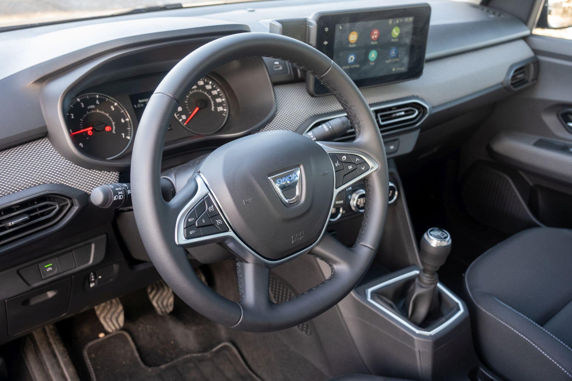 interior Dacia Logan