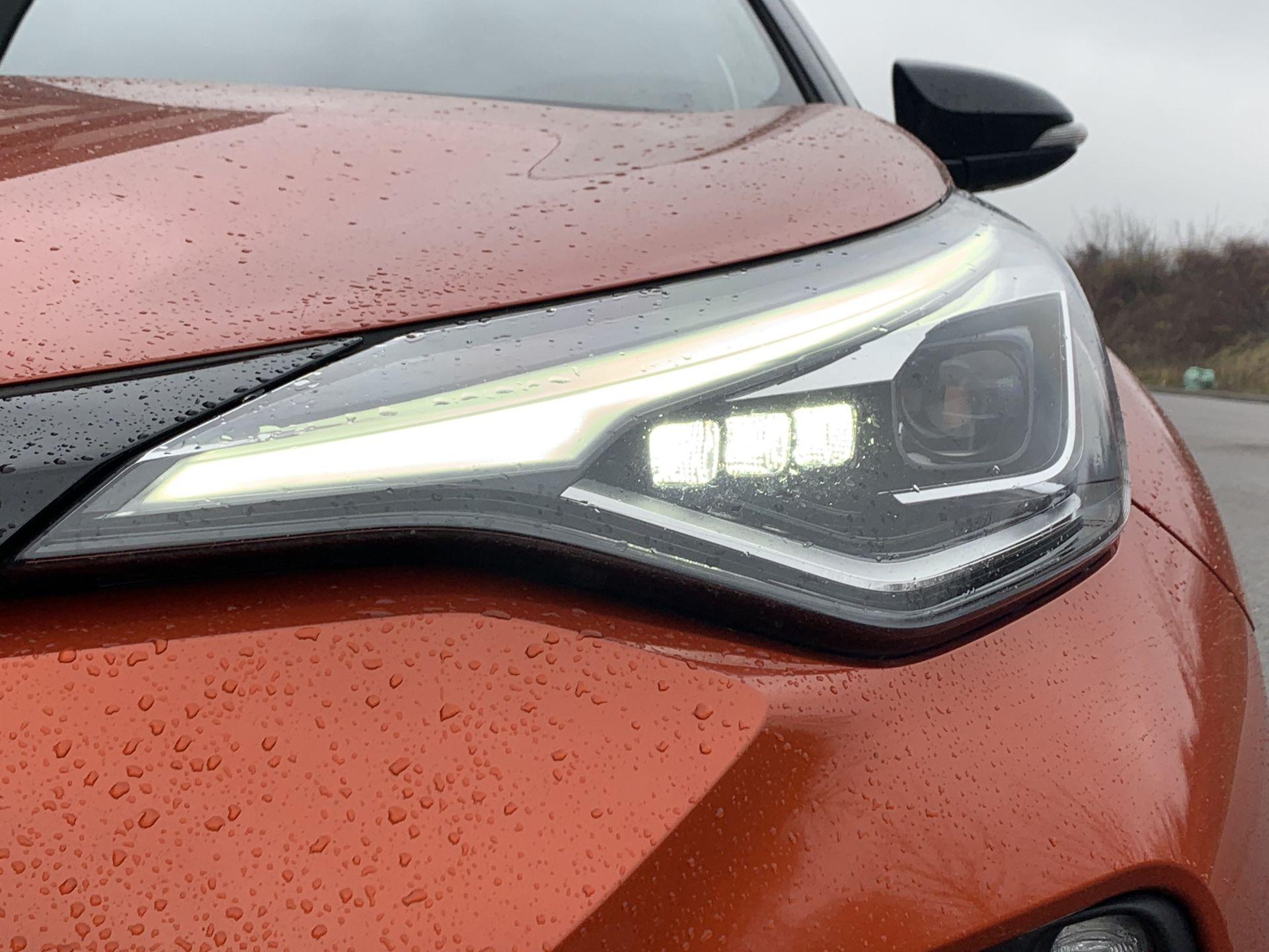 faruri LED Toyota C-HR 2.0 Hybrid